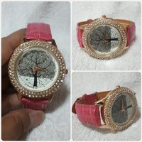 Used Fashionable fuzia coraline watch for her in Dubai, UAE