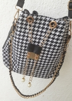 STYLISH BUCKET BAG...