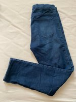 Used H&M jeggins jeans size L in Dubai, UAE
