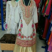 Used Party Wear Complete With Skirt and Stole in Dubai, UAE