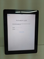 Used Ipad 2  neat and clean i cloud Lock in Dubai, UAE