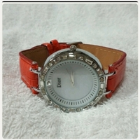 Used Red DIOR watch for her... in Dubai, UAE