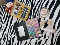 Used Bundle of Personal Make up Sealed Pack in Dubai, UAE