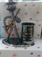 Used Pen holder in Dubai, UAE