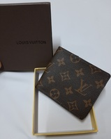 Used MEN'S LV wallet NEW in Dubai, UAE