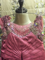 Used gown used 1 time age 7-9 in Dubai, UAE