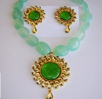 Used Green bead antique necklace in Dubai, UAE