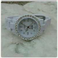 Watch London white color for Her..