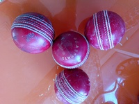 Used Used cricket balls 4 pcs in Dubai, UAE