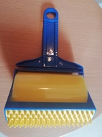 Used Lint roller blue & yellow in Dubai, UAE
