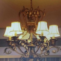Used Light Fixture_chandelier in Dubai, UAE