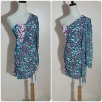 Used Fabulous off shoulder short dress. in Dubai, UAE