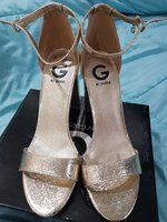 Used ♡Guess Gold Sandals-Light Weight-Size10M in Dubai, UAE