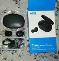 Used Wiresless earbuds with high bass A6s in Dubai, UAE