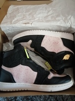 Used Air Jordan exclusive sneaker in Dubai, UAE