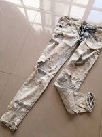 Used Luxury Low Waist Ripped Lightwash jeans in Dubai, UAE