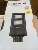 Used Solar street light 120w in Dubai, UAE