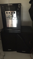 Used 2 speakers and CD player in Dubai, UAE