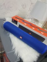 Used E7 JBL longer speakers blue. in Dubai, UAE