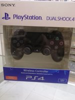 Used Ps4 dual shock controller black new in Dubai, UAE