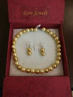 Used Swaroski pearl jewellery set in Dubai, UAE