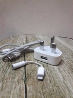 Used original iPhone charger and earphone cab in Dubai, UAE
