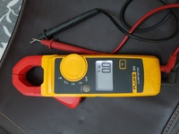 Used Fluke digital clamp meter in Dubai, UAE