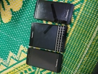 Used Blackberry passport and z10 for parts in Dubai, UAE
