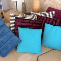 Used Branded Cushions,Rug & Throw Going Cheap!!! in Dubai, UAE