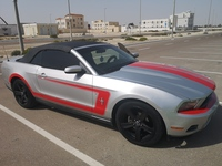Used Mustang 2010 CONVERTABLE in Dubai, UAE