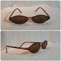 Fashionable Italian sunglass small size