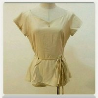 Used Fabulous biege Top for her.. in Dubai, UAE