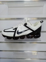 Used Nike black and white sneakers 43 in Dubai, UAE
