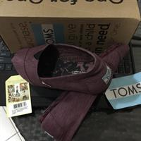 Used Authentic Toms Shoes  for Men size 7, It's can also Fit For Women Size 8. It comes with Box & Authenticity Card. in Dubai, UAE
