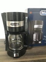 Used Delonghi coffee machine. Good as new in Dubai, UAE