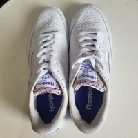 Used NEW Reebok Classic shoe 42sz. in Dubai, UAE