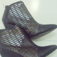 Lowcut Toga Boots#good Condition,brandnew Comes Wid Box..