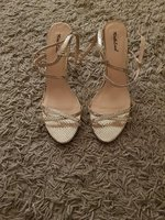 Used Gold sandles in Dubai, UAE