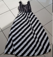 New L size poly dress black and white