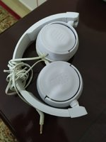Used JBL t450 white headphones in Dubai, UAE