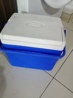 Used Cooler box small size perfect for beach in Dubai, UAE