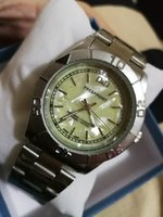 Used New heavy silver watch for men in box in Dubai, UAE