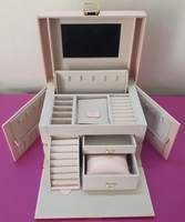 Used BRAND NEW BEAUTIFUL JEWELLERY BOX in Dubai, UAE