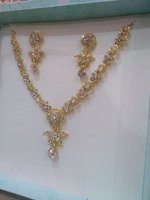 Used Gold plated stone necklace🌟 in Dubai, UAE