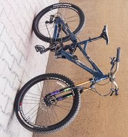 Used Giant full suspension enduro bike in Dubai, UAE