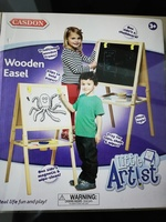 Used Wooden easel casdon little artist in Dubai, UAE
