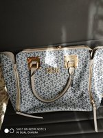 Used Ladies Hang Bag Zipper broken in Dubai, UAE