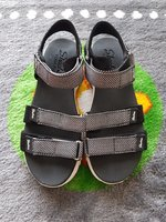 Used Skechers sandals for women in Dubai, UAE