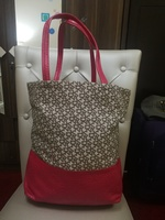 DKNY LARGE TOTE BAG.. AUTHENTIC