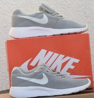 Used Nike shoes lighter weight in Dubai, UAE